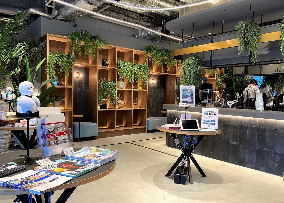 分身ロボットカフェの待合スペース